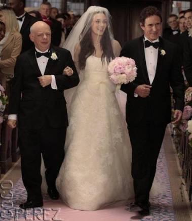 blair-waldorf-vera-wang-wedding-gown-photo__oPt