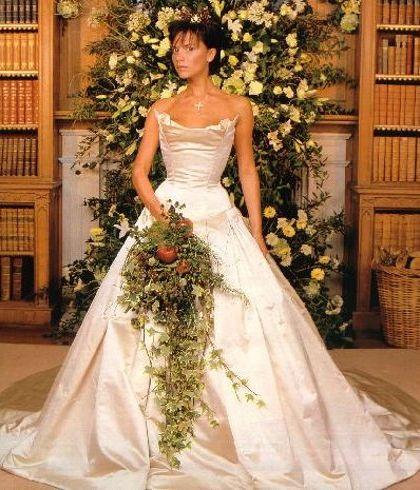 Victoria-Beckham-Vera-Wang-dress